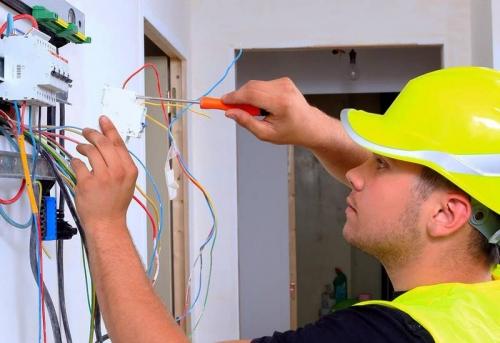 Монтаж электрики в Москве