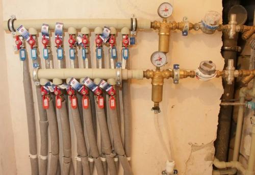 Подключение гребенки к водоснабжению в Москве