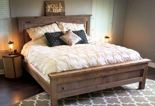 Сборка деревянной кровати в Москве