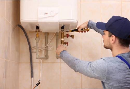 Установка настенного водонагревателя в Москве