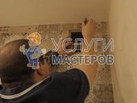 Установка вентиляционной решетки в стене