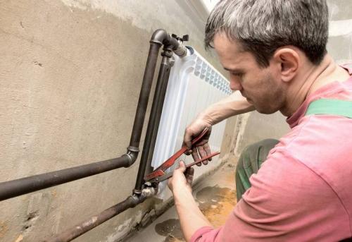 Замена радиатора с доработкой коммуникаций в Москве